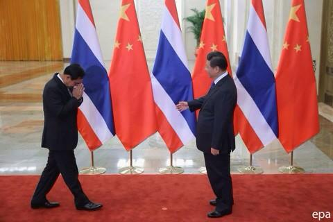 Prayuth-waied-to-China-King