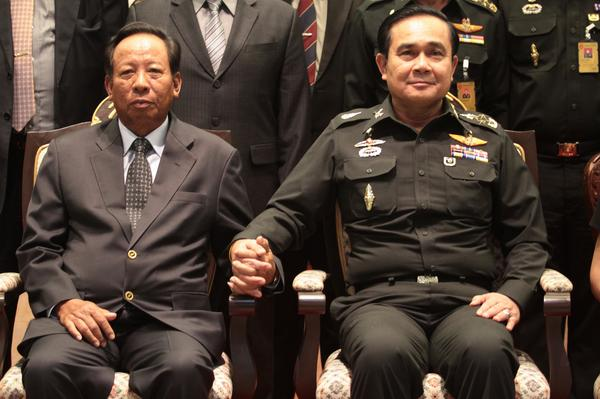 cambodia_s-deputy-pm-gen-tea-banh-l-met-with-the-leader-of-thailands-military-junta-gen-prayuth-r-in-bkk