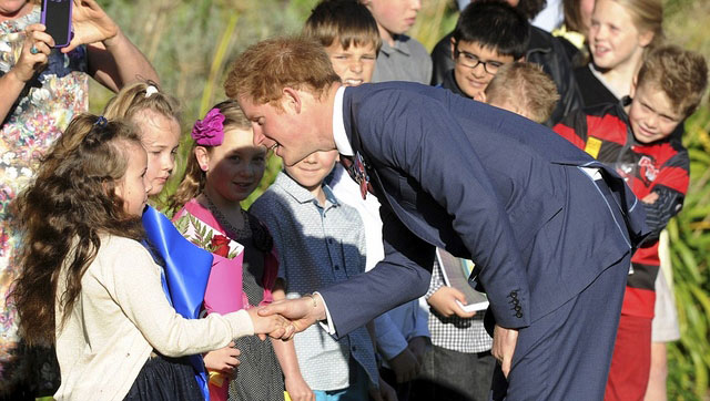 1-Prince-Harry-in-New-Zealand-(7)