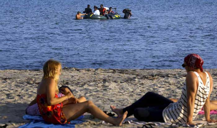 migrants-arrived-at-a-beach-in-greece