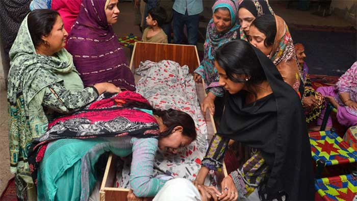 Pakistan-Taliban's-Easter-bombing-targets-Christians;-67-people-killed-(09)