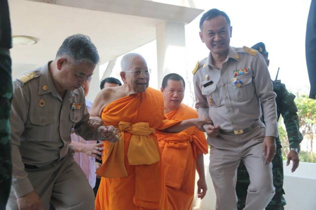 Phra Dhammachayo received huge sums from the troubled Klongchan cooperative. Dhammakaya Temple's abbot, Phra Dhammachayo, will guarantee you a piece of heaven if you send him a check with millions of baht. The more you pay, the bigger that slice of heaven.