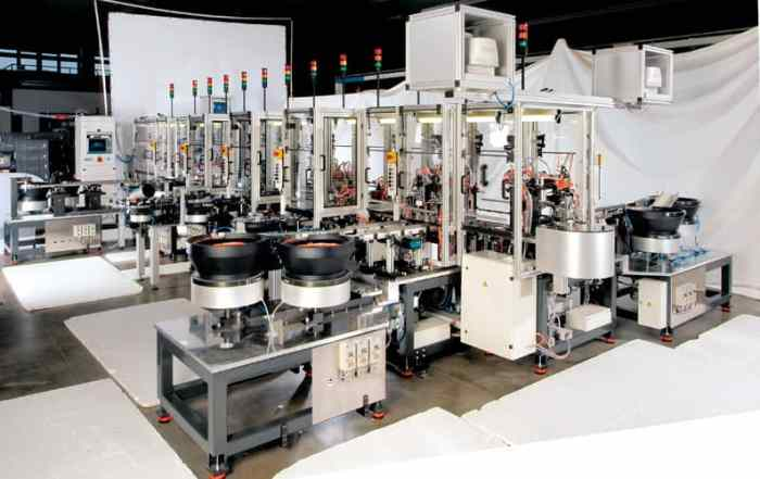 Postproduktion Montageautomat roh