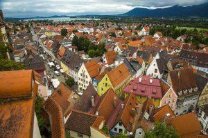 Blick vom Turm im Hohen Schloss in die Altstadt von Füssen