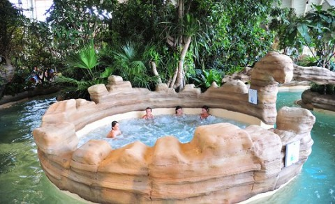 Aqua Mundo De Kempervennen Is Een Subtropisch Zwembad Voor De Hele Familie Toerisme Landelijk In De Mooiste Tropische Zwembaden Van Nederland Schijnt