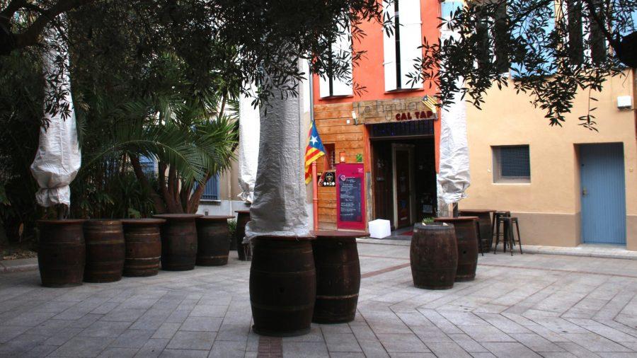 An bunten Cafés, Bars und vor allem Crêperies mangelt es Perpignan nicht.