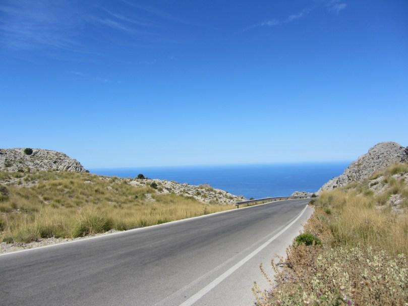 Mit dem Auto durch die Berge