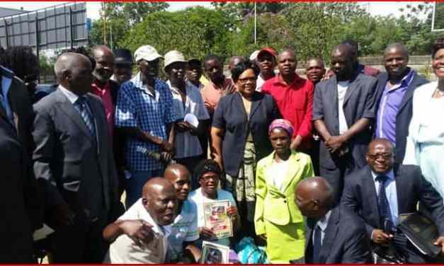 War vets meet Mujuru, snub Mugabe birthday