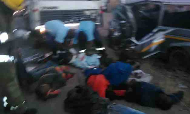 2 killed in Harare Chitungwiza road accident today,Pictures