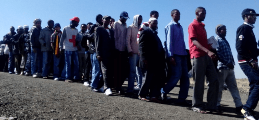 Zimbabwe deports 20 illegal immigrants back to Uganda