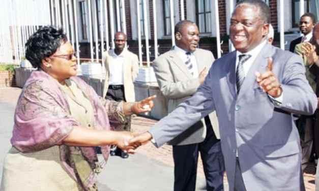 "Joice Mujuru exposes Mnangagwa dirty tricks to tear MDC..Rebels get cash, cars, free fuel..""This is WAR"""