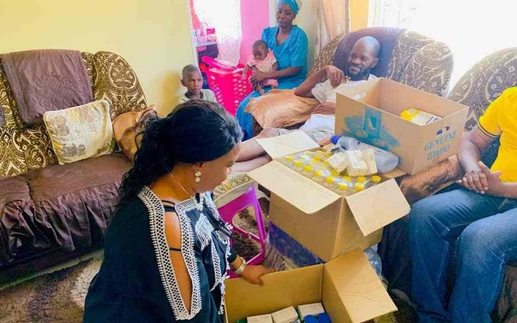 Amai Mnangagwa emulates Chamisa…Visits Gringo..PICTURES