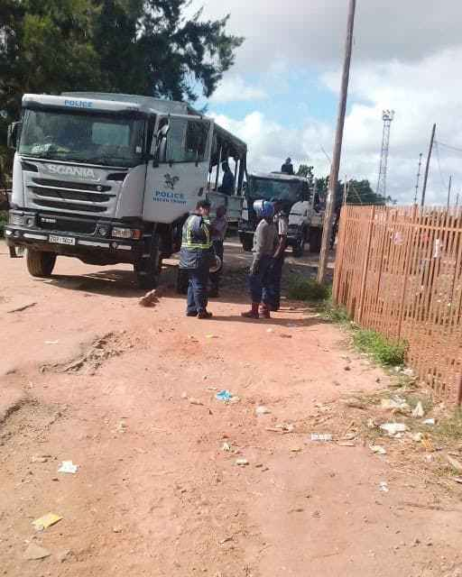 JUST IN: Police Raid Job Sikhala House In Chitungwiza….. PICTURES