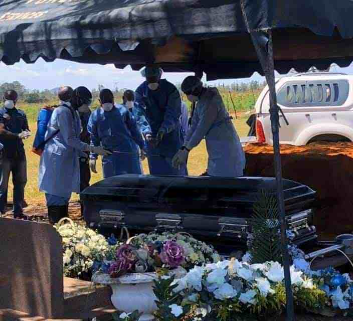 Zororo Makamba buried today..He visited Mthuli Ncube, Mnangagwa offices..PICTURES