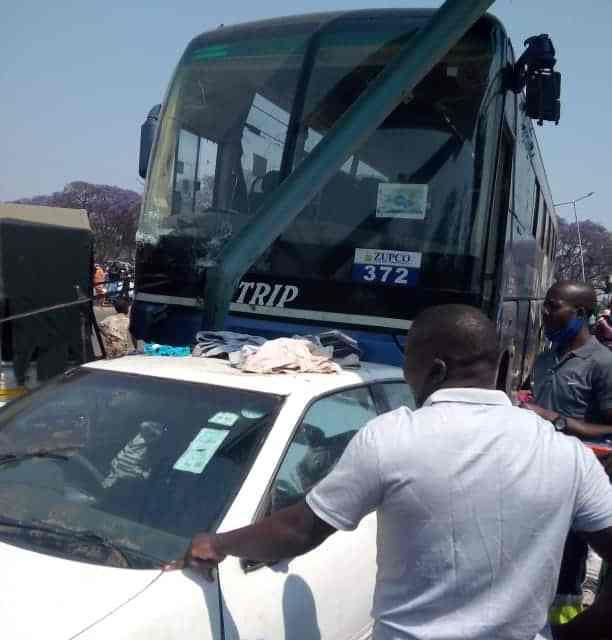 Garage-bound ZUPCO bus hits Mupedzanhamo vendors… 10 hospitalised: PICTURES
