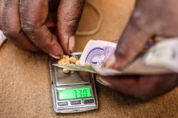 Zimbabwe loses over $1.5 billion a year to gold smuggling