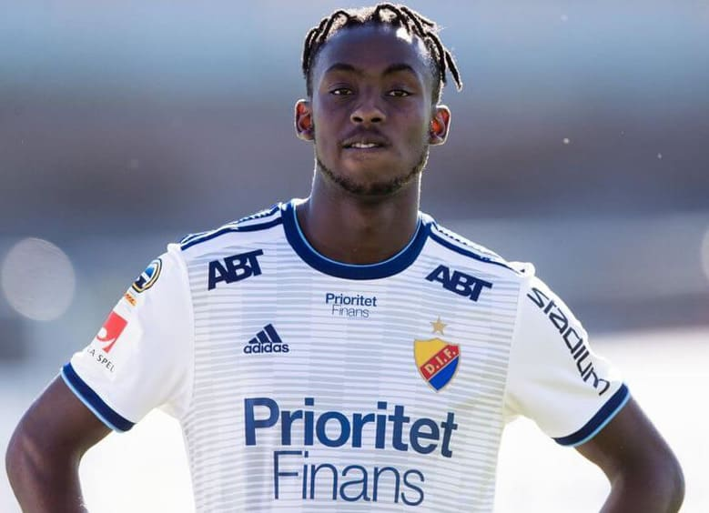 FRANCE: Tino Kadewere helps 'magnificent' Lyon go top of Ligue 1