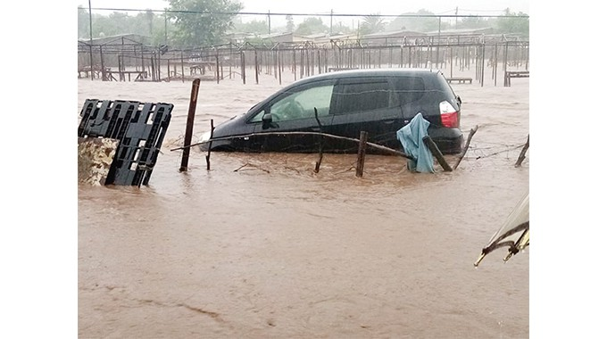 Beitbridge floods leave cars submerged ..PICTURES