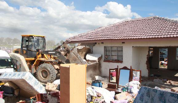 Chitungwiza Municipality warns illegal land occupiers, barons