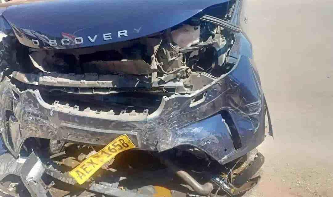 Chris Mutsvangwa in horror road accident, Cheats death