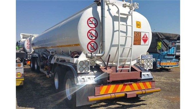CHIRUNDU: Three fuel-smuggling trucks busted in transit to Zambia; Driver of third tanker escapes