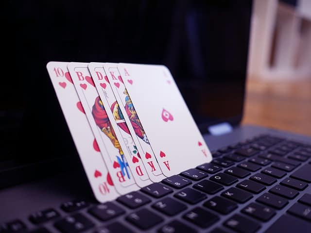 Advantages of Playing at LuckyNiki Casino