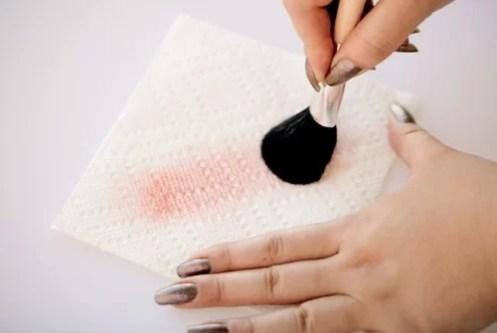 , 4 أسباب تجعلك تنظفين فرش المكياج يوميًا.. احذري