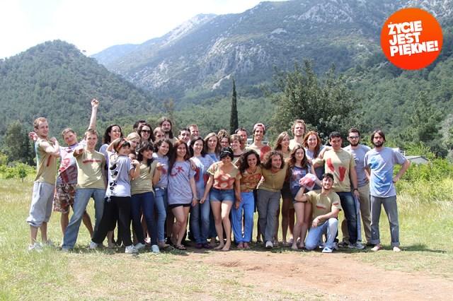 Młodzież wdziałaniu tomożliwość poznania świetnych ludzi zcałego Świata!