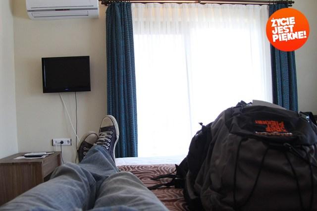 Czasem śpi się wnamiotach, aczasem wmiłych hotelach