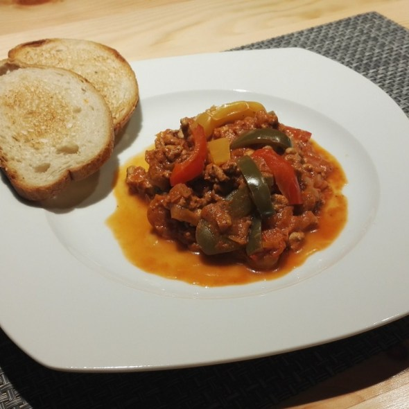 Mięso z papryką i porem