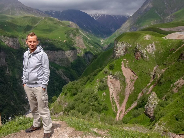 Kanion Góry gruzja w drodze do Kazbegi Co zwiedzic i zobaczyć w Gruzji