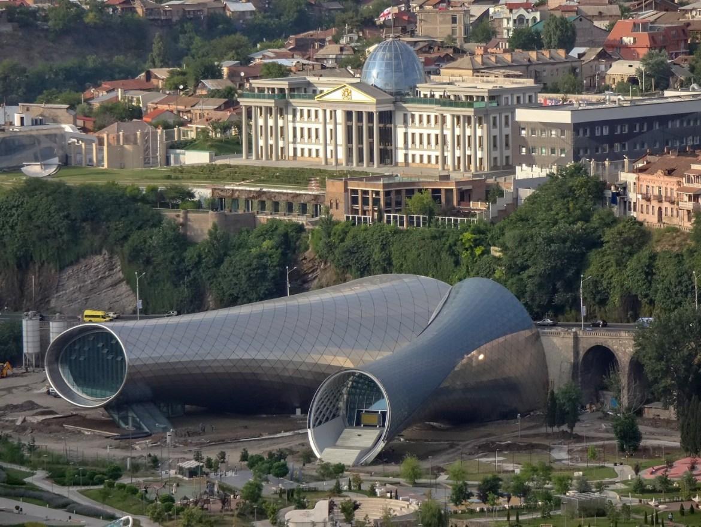 Panorama Tibilisi Co zwiedzić w Gruzji