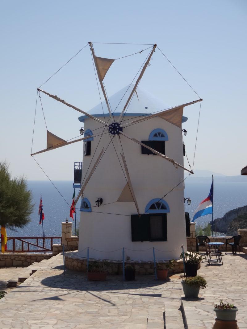 Wiatrak przy tawernie w Skinari / Zakynthos