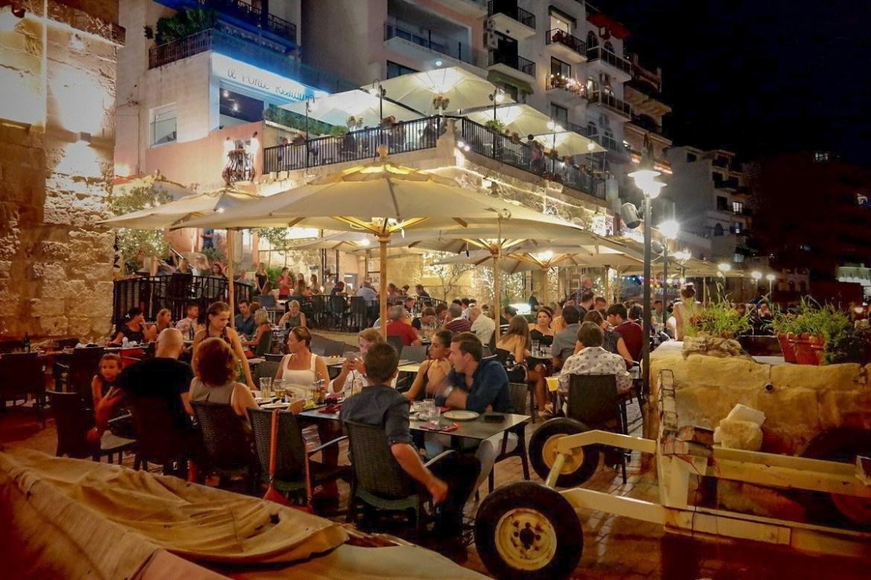 St-Julian-Malta-nocą  Co zwiedzić i zobaczyc na malcie zwiedzanie malty blog