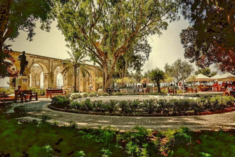 Valetta-Górne-ogrody-barrakka-Malta  Co zwiedzić i zobaczyc na malcie zwiedzanie malty blog