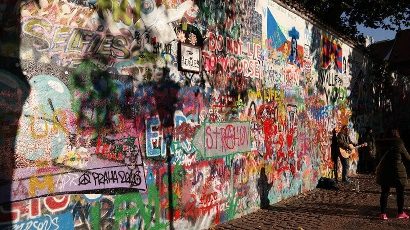 Ściana Lennona Praga