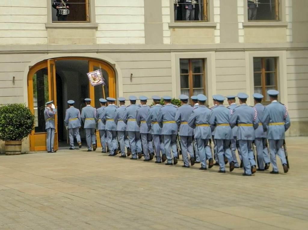 Zmiana warty Praga co zobaczyc i zwiedzić w pradze w weekend