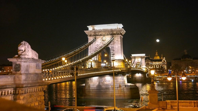 most łańcuchowy Budapeszt nocą co zwiedzić zobaczyc w budapeszcie w weekend