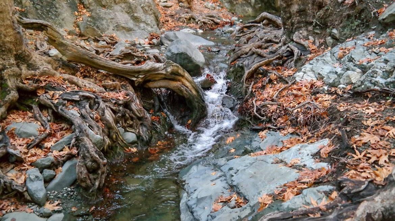 Wodospad i rzeka Millomeris Cypr okolice Pano Platres oraz Kaledonian co zwiedzić na cyprze