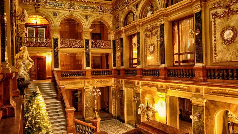 Lobby Opery