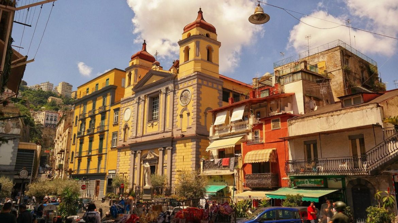Piazza Mantesanto Neapol