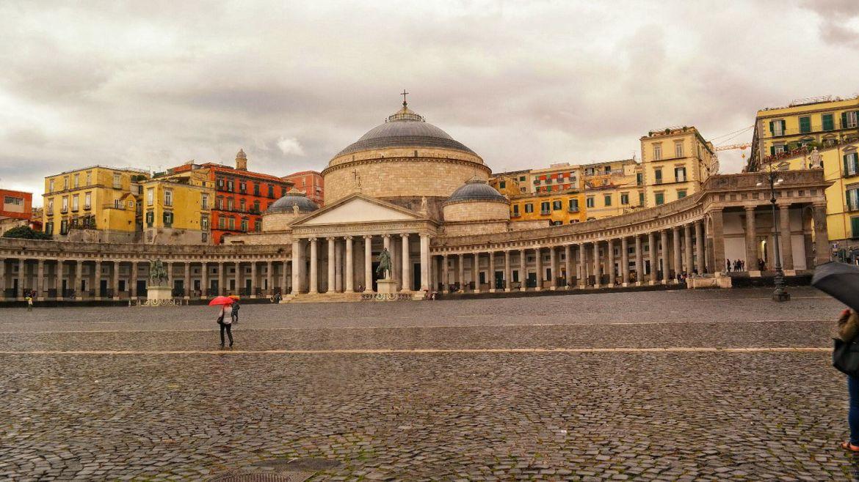 Piazza del Plebiscito Neapol
