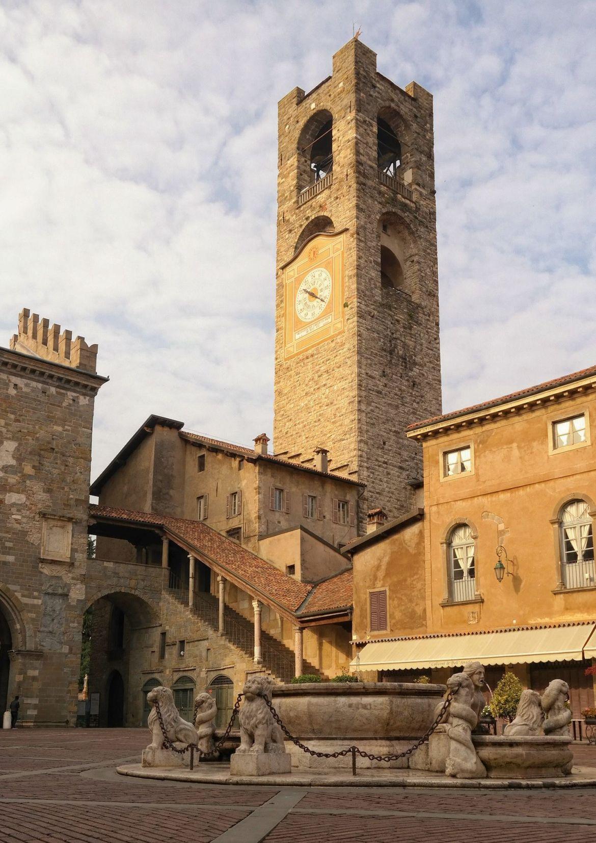 Torre Civica Piazza Vecchia Bergamo