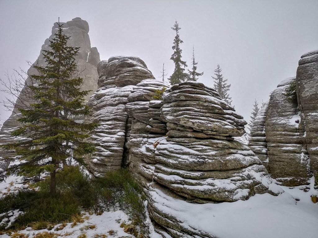pielgrzymy skały karkonosze zima weekend