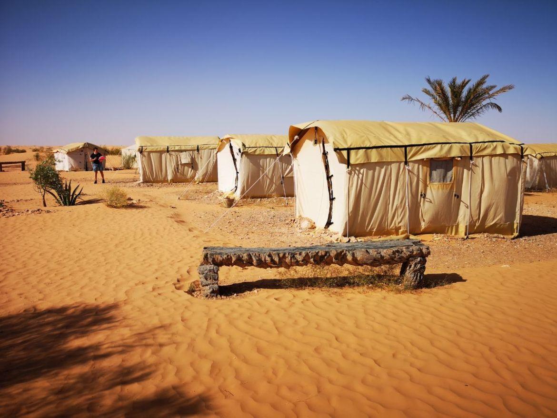 Camping Zmela Labrissa kemping pustynia noc na pustyni. 3
