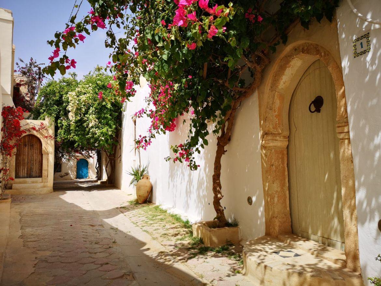 Djerbahood drzwi djerba tunezja ulice
