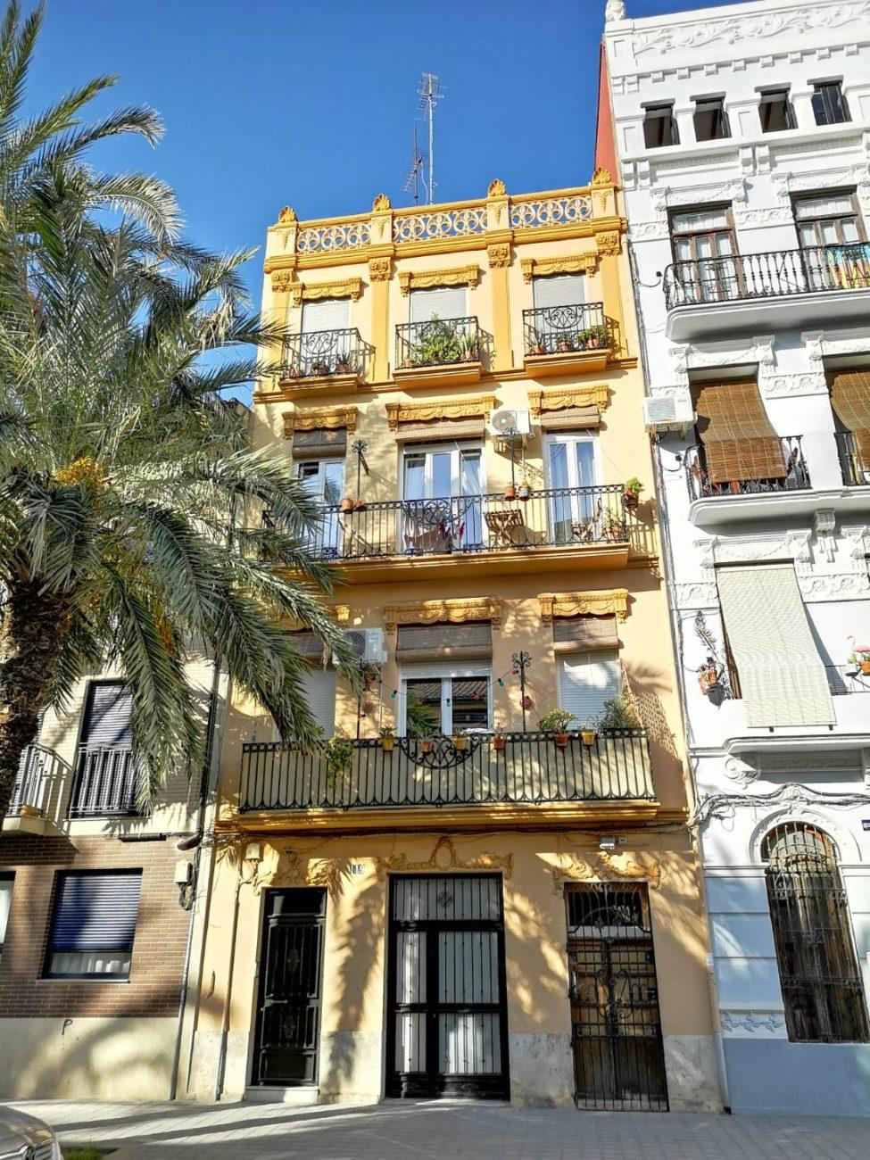 kamienice ulice walencja hiszpania