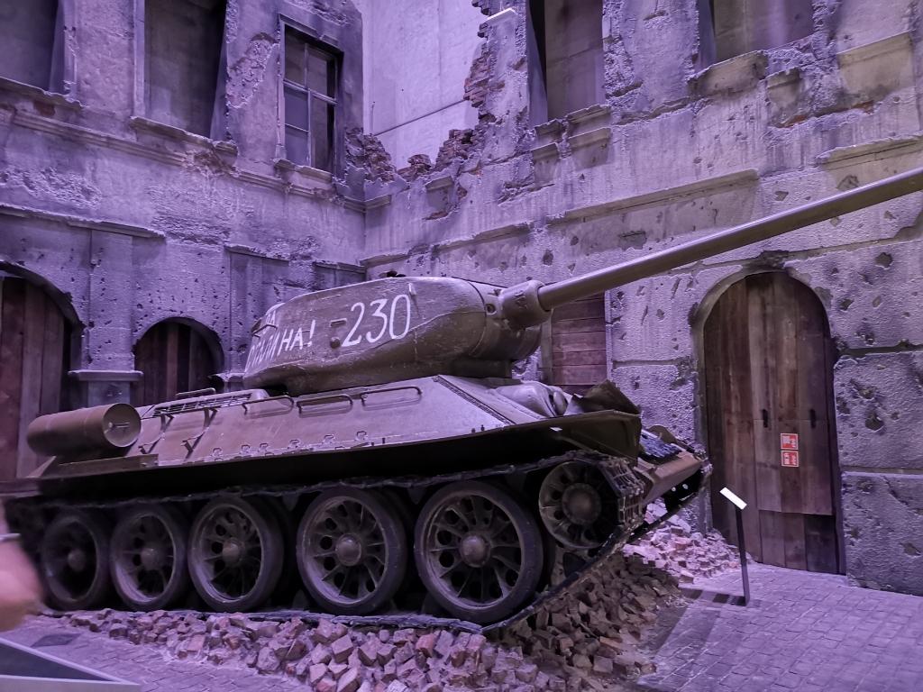 czołg muzeum 2 wojny światowej w gdańsku wojna