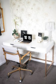 Cozy And Elegant Office Décor Ideas 02