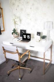 Cozy And Elegant Office Décor Ideas 02